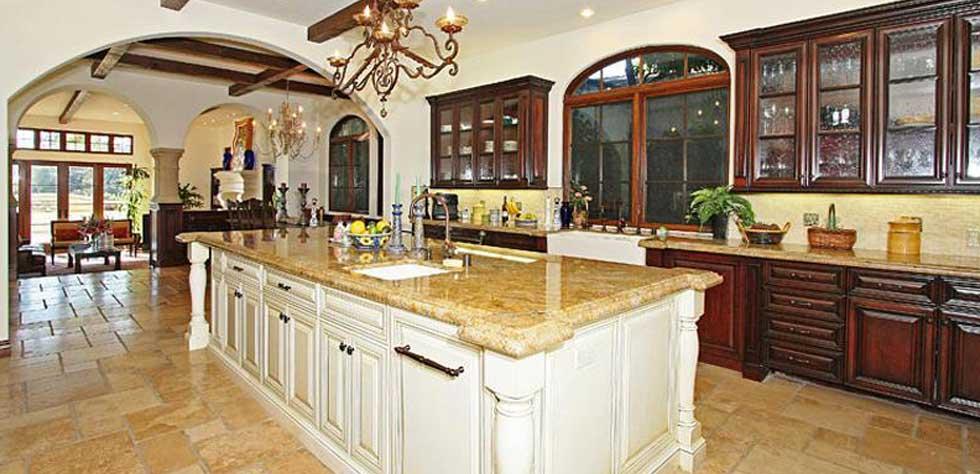 High end kitchen design los angeles luxury kitchen for High end kitchen design pictures